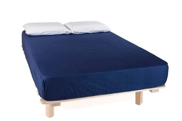 מיטה עם מזרון זוגי