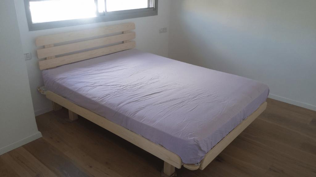 מזרן ובסיס מיטה בבית הלקוח