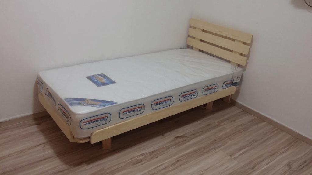 בסיס מיטה יחיד ומזרון