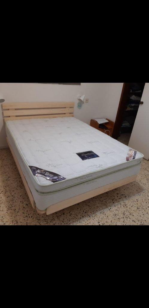מיטה זוגית ומזרן בבית הלקוח