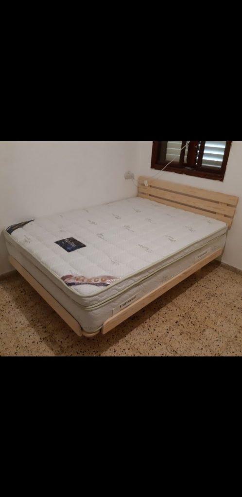 מיטה זוגית בבית הלקוח