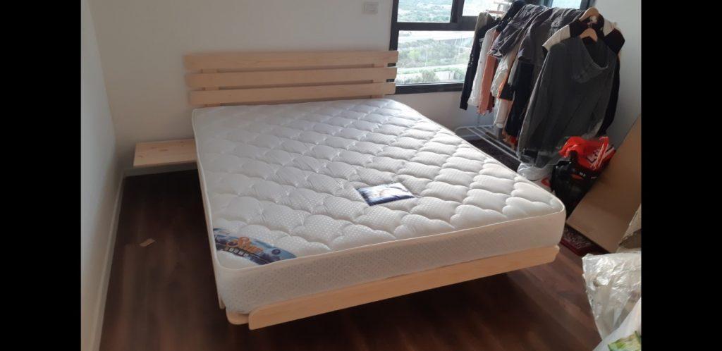 מזרון ובסיס מיטה בבית הלקוח