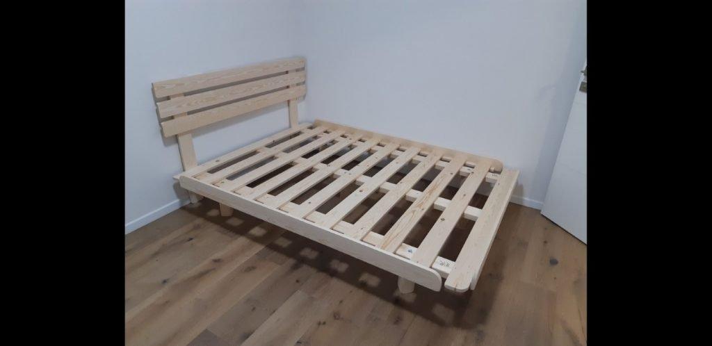 בסיס מיטה במזרון