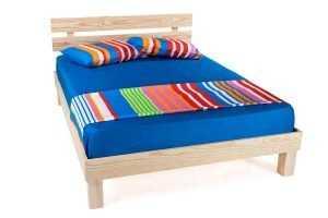 """מיטה זוגית 140/190 ס""""מ מעץ מלא"""