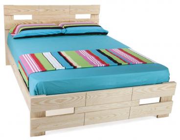 בסיס מיטה מעץ ומזרן